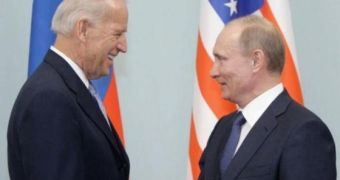 Vừa nhậm chức, ra hai quyết định cùng lúc về Nga, ông Biden muốn nói gì?